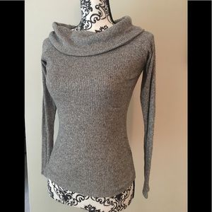 EXPRESS oversized collar grey fitted sweater Sz M